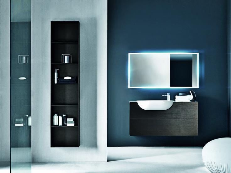 FALPER - LIGHT - Jednoduché zrcadlo v rámu s možností předního a zadního osvětlení. K dispozici v různých tvarech, rozměrech a povrchových úpravách, ze kterých si vybere opravdu každý.