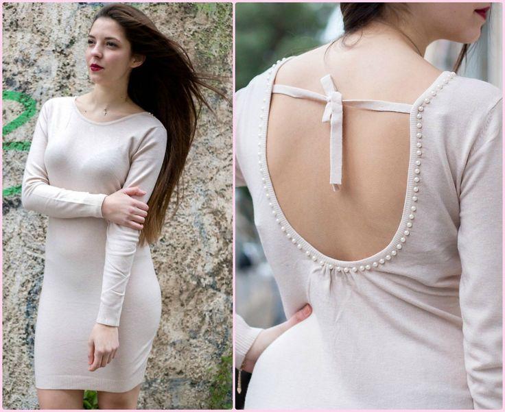 Pearly Knit Dress Πλεκτό ελαστικό φόρεμα σε χρώμα ροζ του πάγου με πέρλες στην πλάτη. One size. Από 34,00 € τώρα μόνο 19,90 €