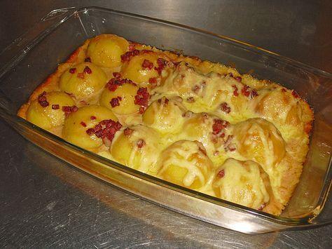 Knutschis mit Sahnesoße, ein tolles Rezept aus der Kategorie Kartoffeln. Bewertungen: 230. Durchschnitt: Ø 4,3.