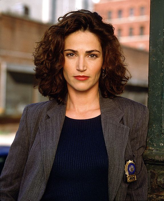 Actress Kim Delaney was born 11-29 in 1961. She's best known for her roles on NYPD Blue and Army Wives.
