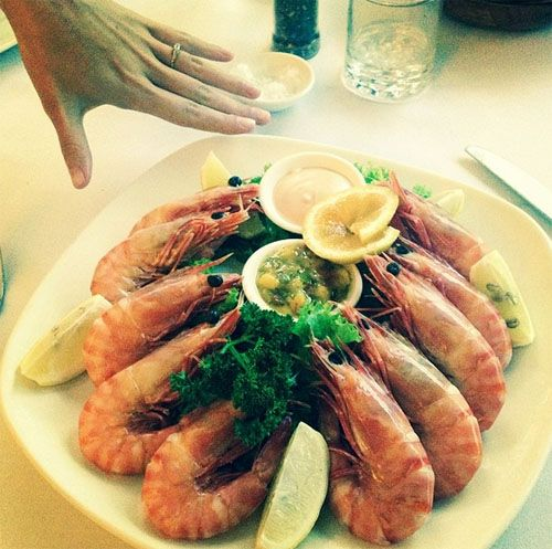 Have you ever seen giant prawns this big? If you're ever in Cairns, Australia be sure to stop in at Barnacle Bill's for a feed
