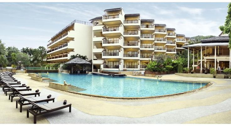 Krabi La Playa Resort Ao Nang Beach 150 metres from the Ao Nang & Noppharat Thara Beaches, Krabi La Playa offers 4-star accommodation featuring a large outdoor spa pool and fitness centre. Free parking is available.