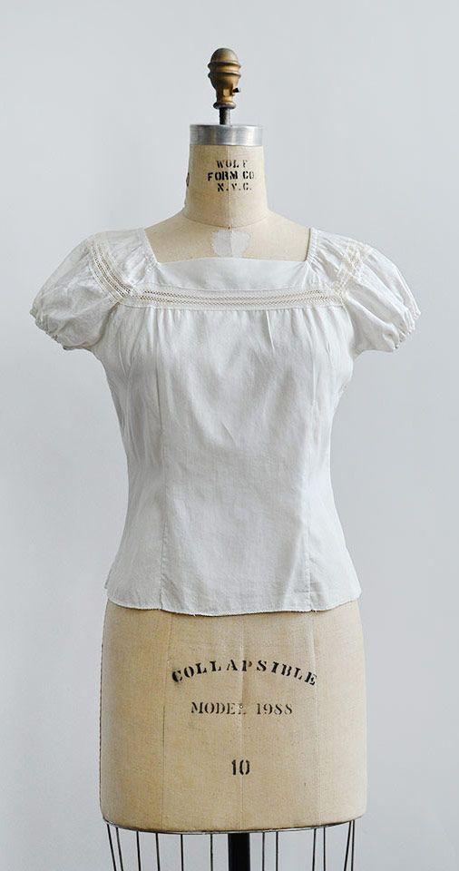 vintage 1940s white cotton puff sleeve peasant blouse