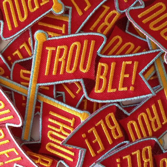 Red Flag Trouble Patch Funny Warning Embroidered por KodiakMilly