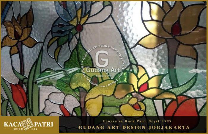 Gambar Kaca Patri Flora Dan Fauna Full Colour Stained Glass Life