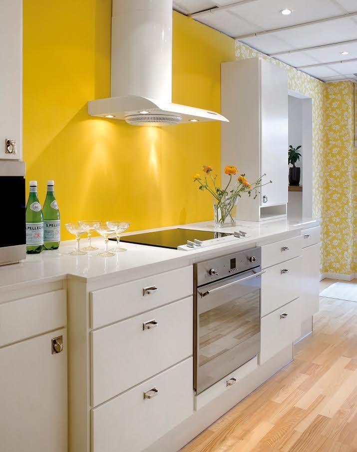 Retrohandle. Yellow kitchen. Gult kök med påskkänsla. Easter kitchen.