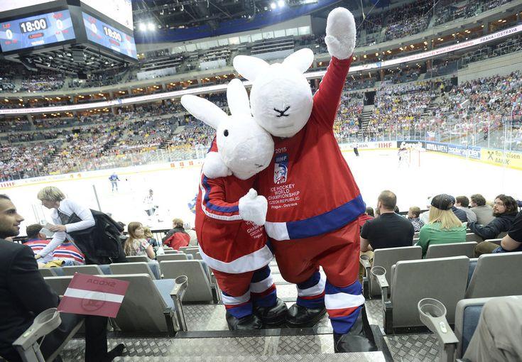 CZE Hockey Mascots Bob Bobek IIHF WC 2015 http://isport.blesk.cz/galerie/blesk-sport/232022/?foto=3