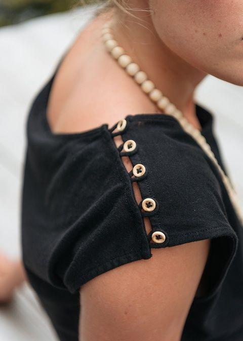 Jolis détails d'épaules sur Sézane - Capri Dress