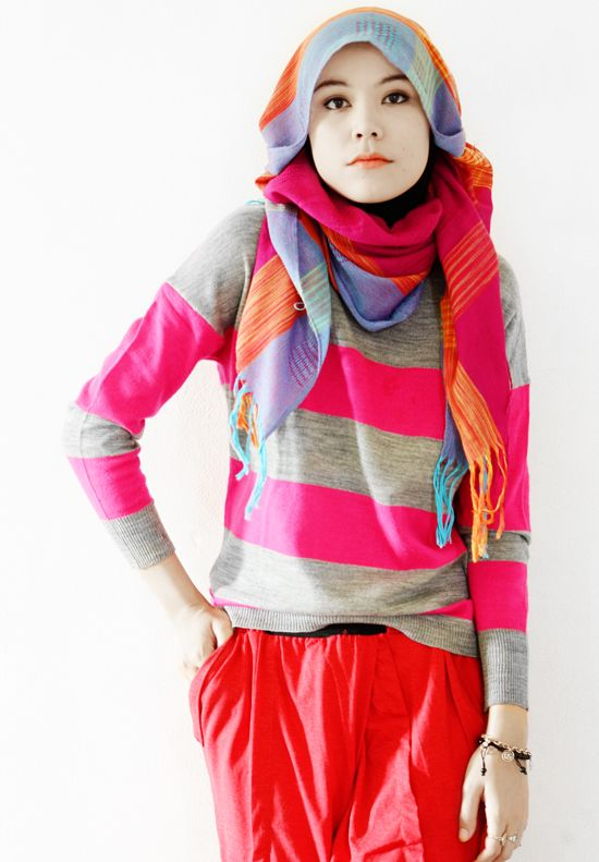hijabholicanism: Pinky stripes sweater
