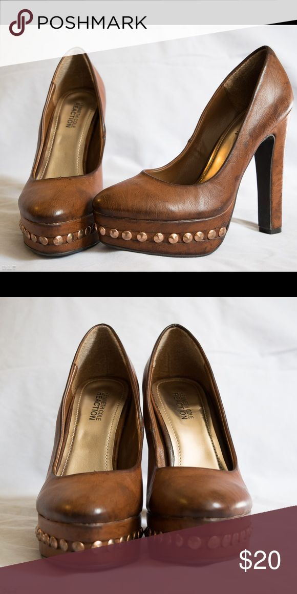Brown high hells Kenneth Cole Reaction This amazing Kenneth Cole Reaction brown high heel shoes are amazing and in great condition, feel free to ask any questions and I'll be happy to answer them! Kenneth Cole Reaction Shoes Heels