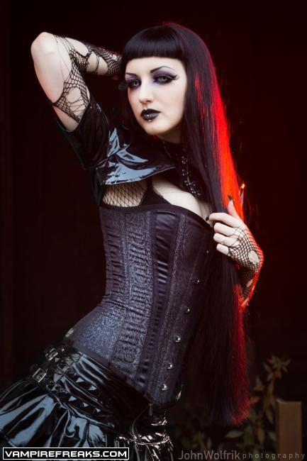 VampireFreaks.com - Obsidian_Kerttu's pictures