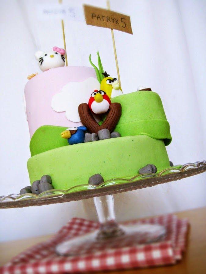 Tort urodzinowy. Dwa w jednym: Hello Kitty i Angry Birds