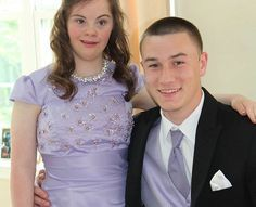 A High School Quarterback Took His Friend With Down Syndrome To Prom.. FAITH IN HUMANITY RESTORED :,)