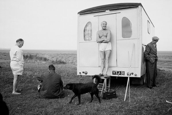 Location unknown, possible Morcambe, 1967 – 68 by Tony Ray-Jones, © National Media Museum