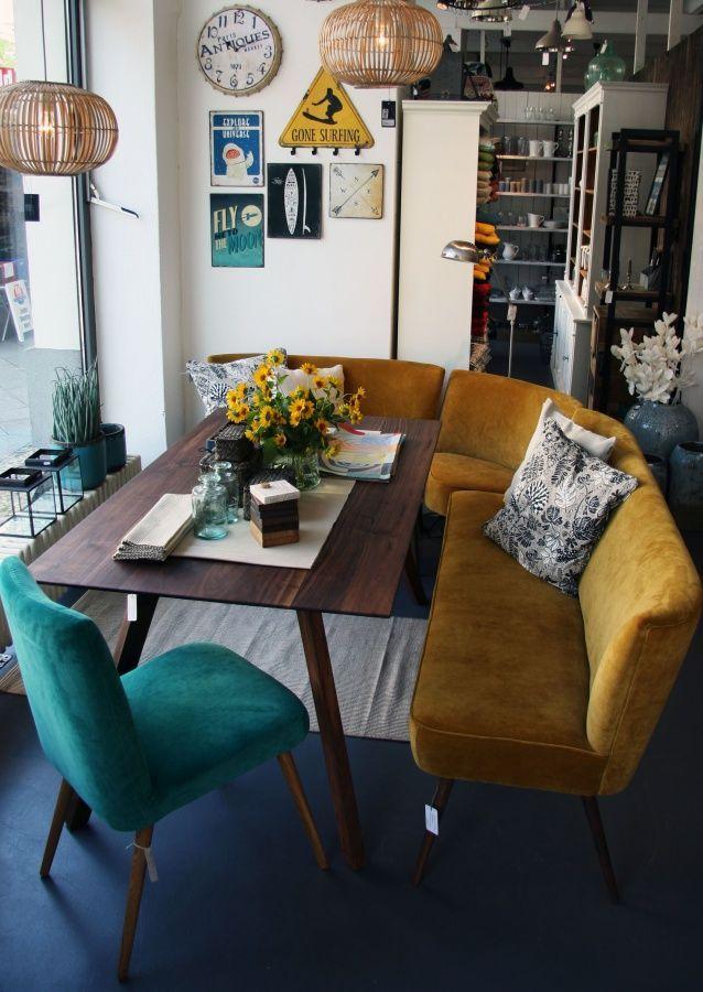 Esszimmer mal anders: mit Sofa und Sessel. Esszimmer gemütlich einrichten mit bunter Sitzecke