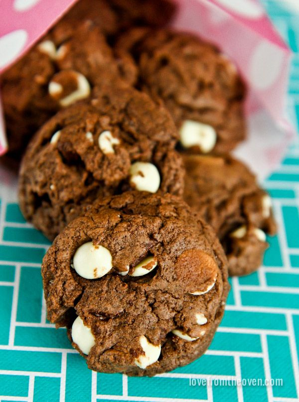 Cookies With Five Kinds Of Chocolate. #chocolate #cookies #recipes