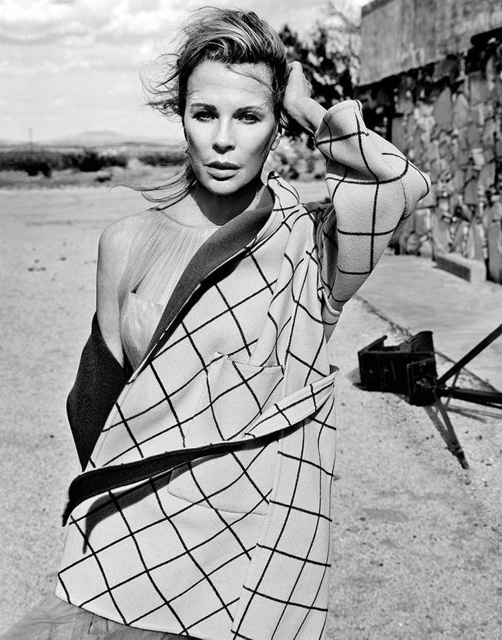 Проверено временем. Ким Бейсингер в фотосессии журнала Flaunt