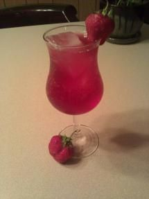 Red Moscato Fusion | Barefoot Red Moscato, raspberry vodka, black cherry Fresca, and fresh strawberries