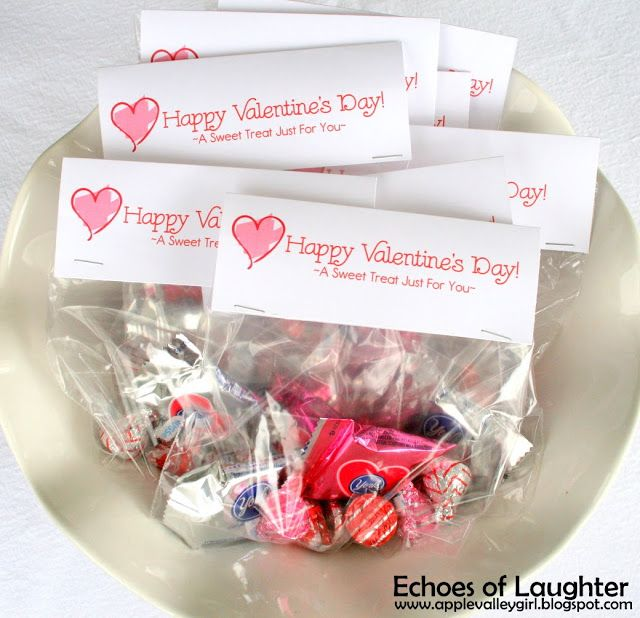How To Make Valentine Treat Bag Toppers & FREE Printable