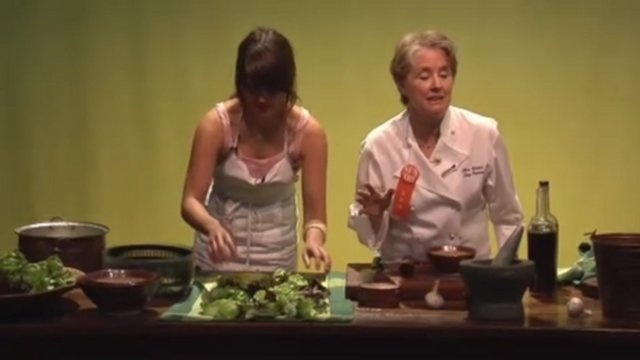 If you think this Alice Waters video is about how to make a salad you would be wrong. All that oil and vinegar and tossing is just an excuse to showcase one of the most STUNNING salad bowls I have ever seen. See 5:00 on.