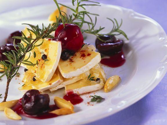 Marinierter Käse mit Kirschen ist ein Rezept mit frischen Zutaten aus der Kategorie Steinobst. Probieren Sie dieses und weitere Rezepte von EAT SMARTER!