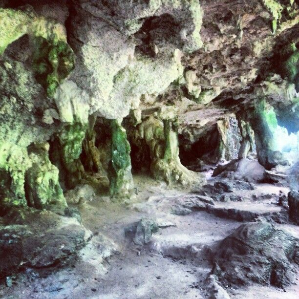 Tham Phra Nang - Princess' cave