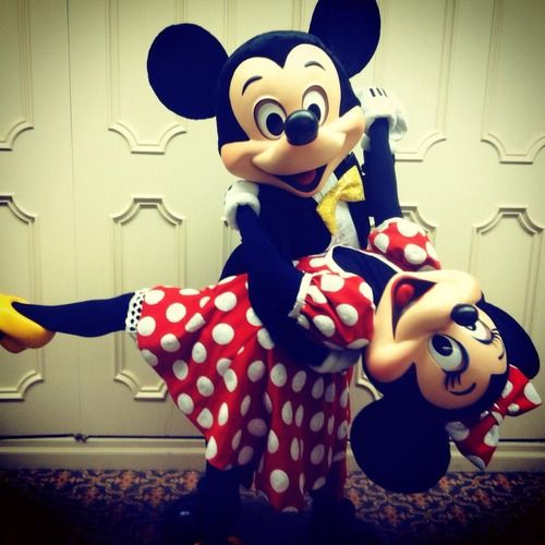 Mickey and Minnie Mouse! How cute!