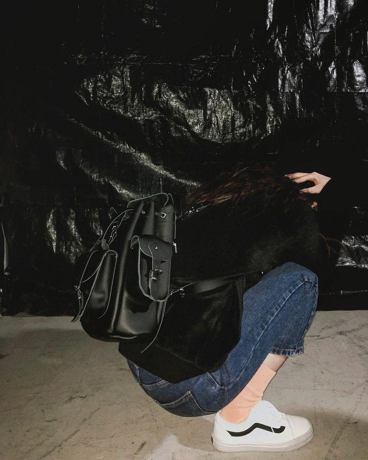그라페아 가죽 백팩, SHOWBUSINESS www.grafea.com #grafea #그라페아 #가방 #백팩 #가죽백팩 #패션 #스타일 #오오티디 #ootd #outfit #블로거