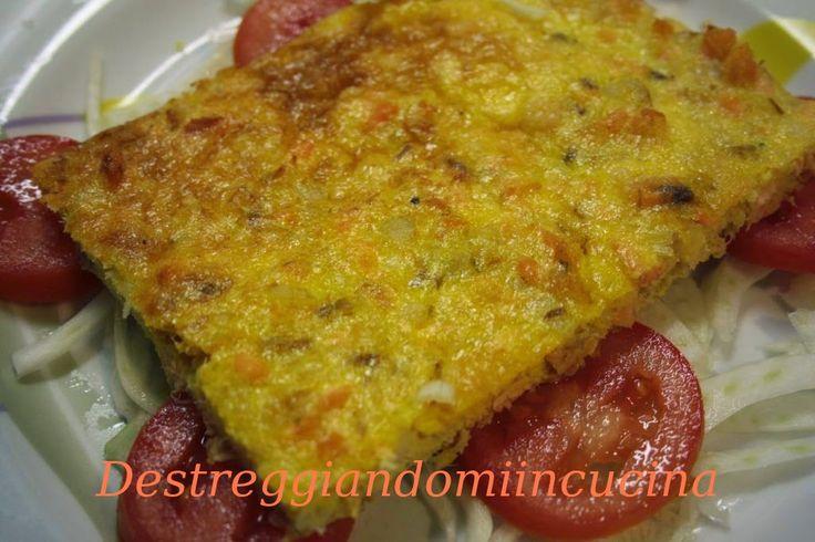 Destreggiandomi in cucina: Frittata con merluzzo e salmone #salmone #salmon #merluzzo #cod #frittata #omelette #egg #uova