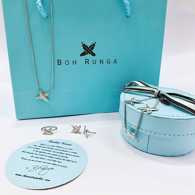 Day 1 for Kapa's 12 days of Christmas gift ideas 🎄🎁- the Boh Runga jewellery collection from @themintrepublic such a great gift for a loved one ❤️ 📸 - @zoeolivia97