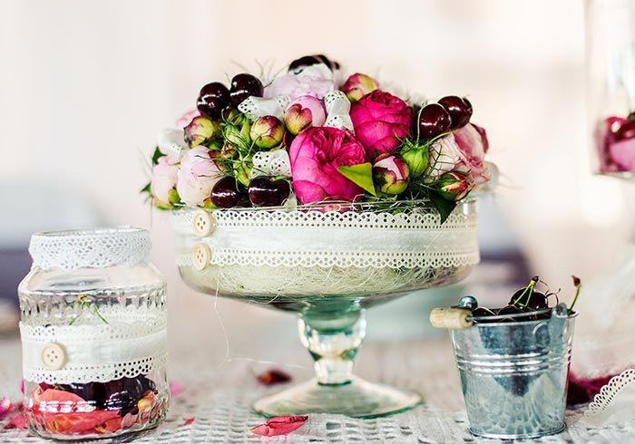 Vintage Tischdeko ist ein Hingucker auf jeder Hochzeit. Entdeckt viele tolle Beispiele und Inspirationen. | Große Bildergalerie