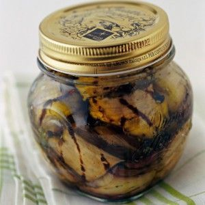 Μελιτζάνες σκορδάτες σε λαδόξιδο