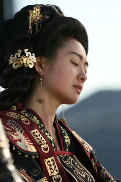 Le Yo Won in The great Queen Seondeok - final moments reflecting on her childhood dream in #KDrama #Korean #CostumeDrama