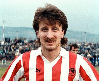 Τσιαντάκης Νίκος. Περιστέρι Αττικής. (1963). Επιθετικός. Από το 1988-1994. (186 συμμετοχές 22 goals).