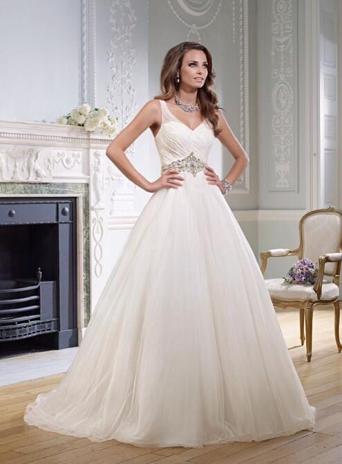 Grazella by Victoria Jane @ Ronald Joyce available to order at https://www.facebook.com/Idoweddings.co