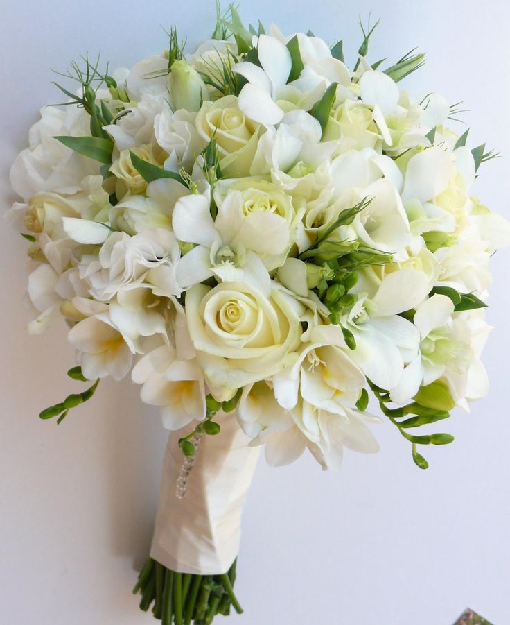 Glorious White Bouquet From We Do Wedding Flowers On The Sunshine Coast