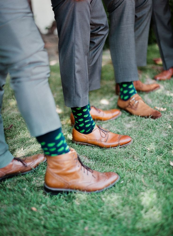 groom and groomsmen shoes and socks from Palm Springs wedding at Merv Griffin Estate: http://www.trendybride.net/palm-springs-wedding-merv-griffin-estate/