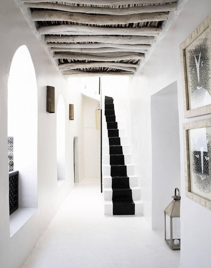 White holiday home | @styleminimalism