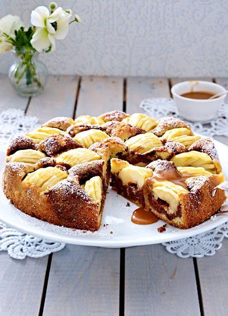 Eine tolle Marmorkuchen-Variante ist dieses Rezept mit Äpfeln. Schmeckt besonders gut mit selbst gemachter Karamellsoße.