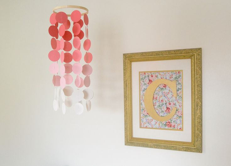 Easy DIY for the nursery: framed fabric with spray painted initial - #DIY #nursery #walldecorCoral Ombré, Fabrics Initials, Frames Fabrics, Projects Nurseries, Nurseries Walldecoration, Circles Punch, Diy, Ombré Mobilee Decor, Mobile
