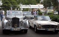 Reihenweise schöne Oldtimer-Modelle konnten am Samstag bei der Radisson Rhein-Ruhr-Rallye bestaunt werden.