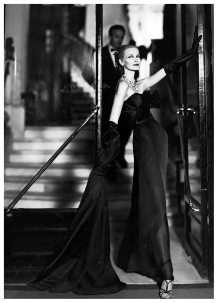 Sunny Harnett in evening dress by Lanvin-Castillo, photo by Richard Avedon,  Hotel San Règis, Paris, August 1954