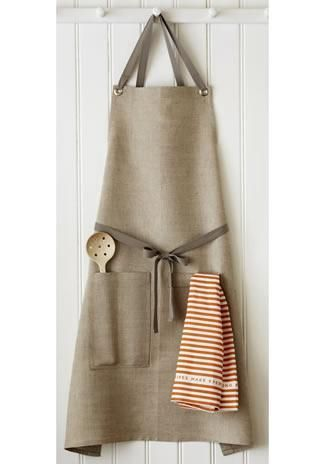 Studiopatro Natural Kitchen Apron from Vuela #poachit
