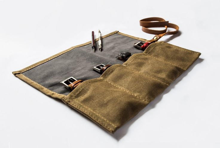 Les Noble introduces their canvas watch roll. Made of waxed canvas with a complete microfiber suede inside to protect with space for four watches.