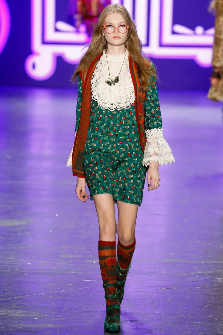 Anna Sui Fall 2016 Ready-to-Wear Fashion Show - Abby Williamson