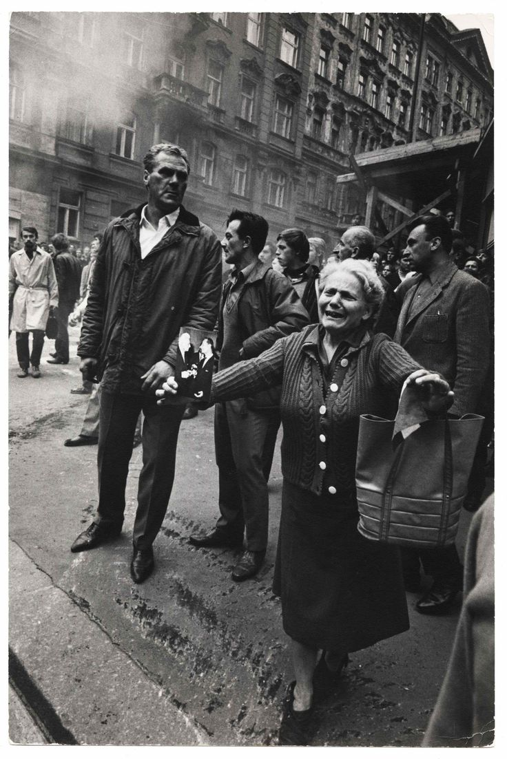 Czechoslovakia Invasion, Prague, August 21 1968, The Black Star by Hilmar Pabel (1910-2000) [Human Rights, Human Wrongs - Photographer's Gallery]