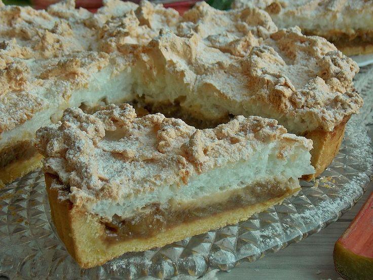 Krucha tarta, w której wyraźnie dominuje smak karmelizowanego rabarbaru z nutą cynamonu. Na wierzchu pyszna kokosowa beza, która osładza kwaśny rabarbar. CIASTO: 1 1/2 szklanki mąki pszennej 1/4 s…