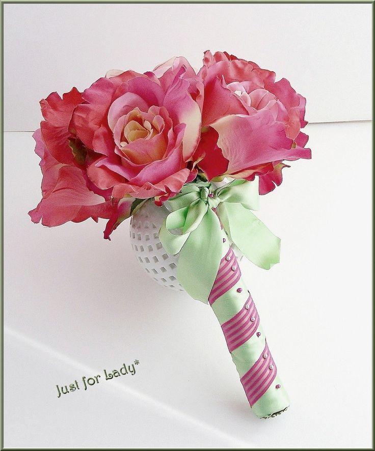 Bouquet mariée - Fleurs tissu, superbes Roses frissées - Cabochons et Satin vert : Accessoires de maison par ladyplazza