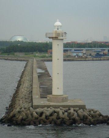 #Japan: Gaiko North Breakwater #Light    http://dennisharper.lnf.com/