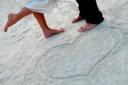 Hearts in the sand at barefoot Florida Keys beach weddings